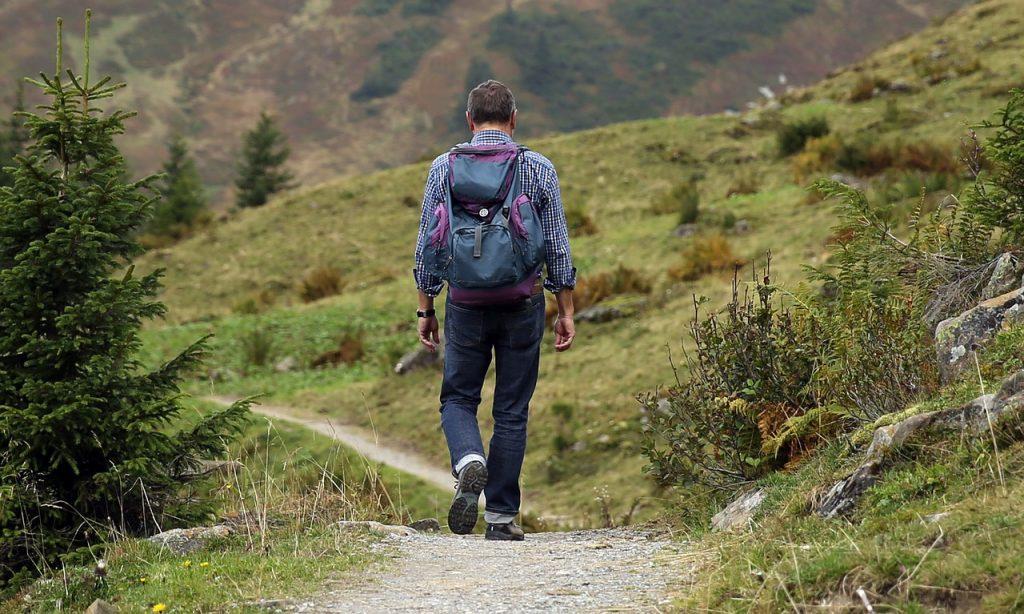 faire une randonnée avec un sac à dos