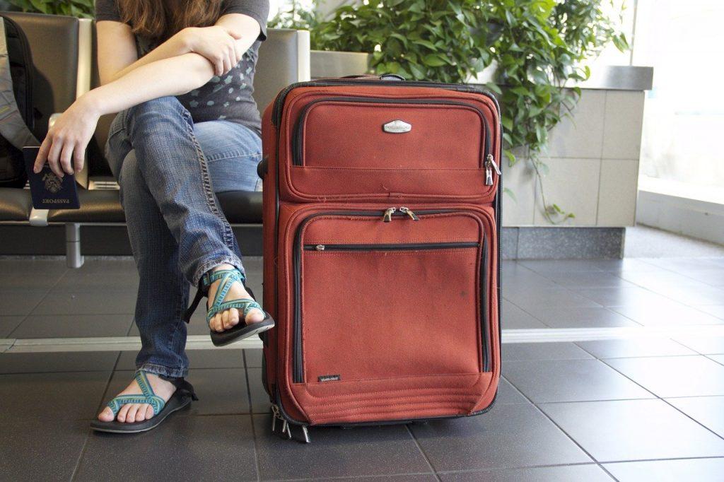 dispositif de rangement des accessoires de voyage