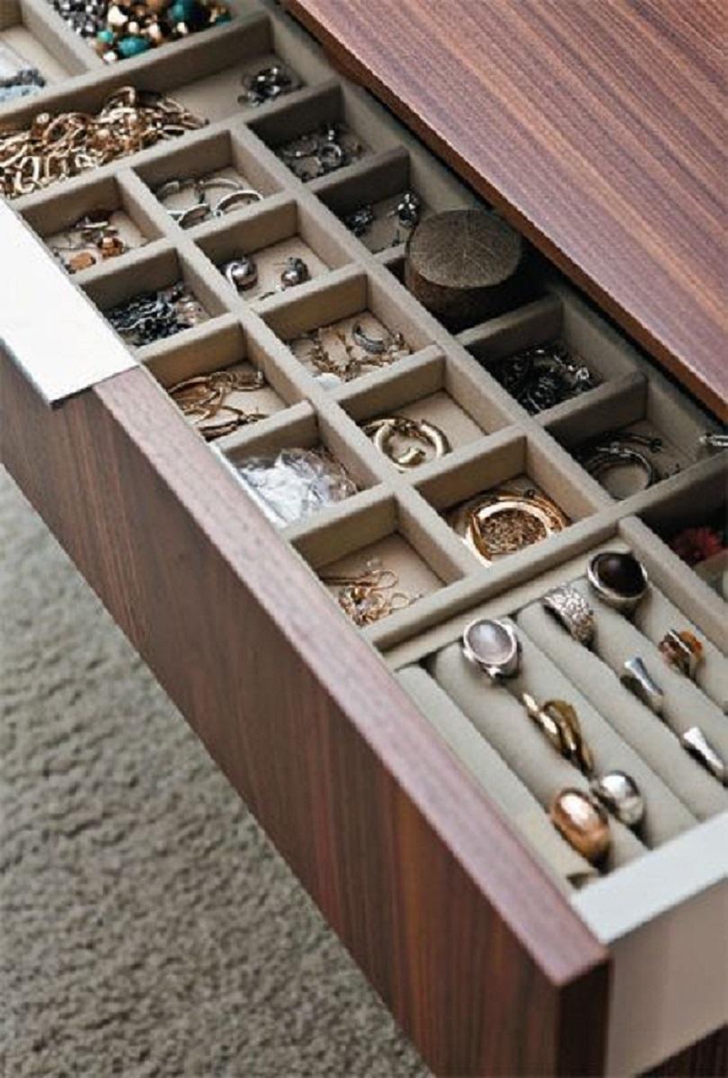 comment ranger ses bijoux dans des inserts à tiroir