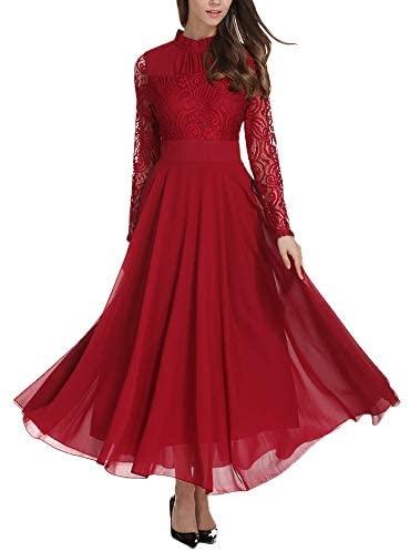 jeune femme habillée en robe rouge volante